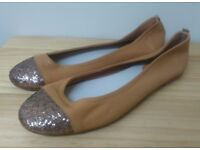 Flat Women's Shoes with Gold Shimmer Toe Cap - Real Leather - Size 39 - NEW