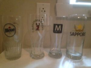 8 BRAND NEW NEVER USED LIMITED EDITION COLLECTOR BEER GLASSES