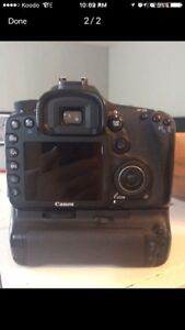 Canon 7D body and grip dslr camera