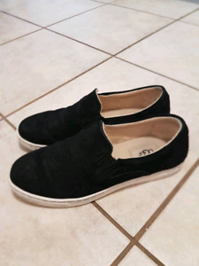 Ugg Suede Loafers Size 8