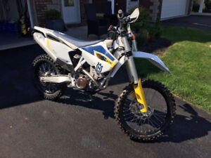 Street legal 2015 Husqvarna 250 FE Unused!