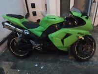 Kawasaki zx-10r green ninja