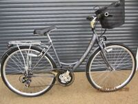 """LADIES VIKING TOWN / TRECKING BIKE IN ALMOST NEW CONDITION (ONLY USED A FEW TIMES) 19"""" /48cm. FRAME)"""