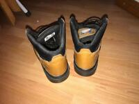 Safety boots ( size 8 )