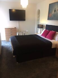 2 DOUBLE ROOMS AVAILABLE IN MIDDLETON ST GEORGE