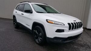 2017 Jeep Cherokee Sport Altitude +Temps Froid, Hitch, Caméra+