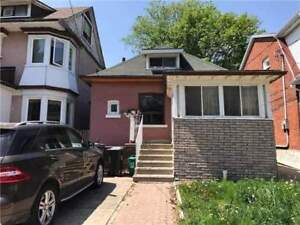 1 1/2 Storey Home In Dovercourt-Wallace Emerson-Junction