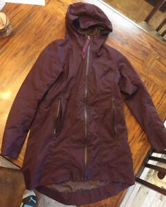 Lululemon right as rain jacket size 10 Bordeaux drama