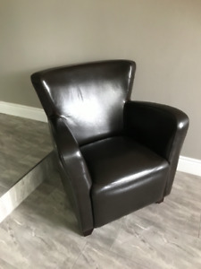 Looking for Faux leather kinda wing back chair - see photo