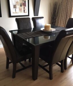 Beautiful high end Solid Wood kitchen dining set