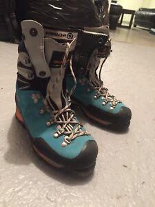 Women's Scarpa Mountaineering boot