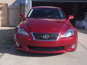 Selling beautiful 2009 Lexus IS 250 Sedan with extremely low kms