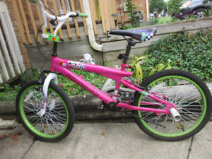 GIRLS BIKE - BMX