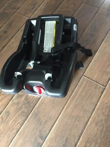 SnugRide click connect 35 Graco carseat base