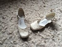 Girls size 2 bridesmaid shoes