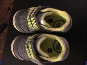 Stride rite shoes - Like new