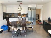 Two double rooms to let in Greenwich - Move in Today