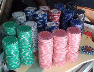 """Lot of 544 old poker chips, """"clay"""" and injection plastic 50s/90s"""
