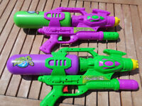 Water Gun Blaster Squirter Summer Beach Garden Kids Children Toys