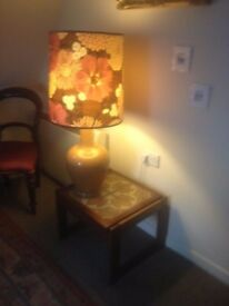 Large lamps and tables