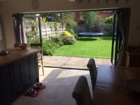 Double room & en-suite in friendly family home