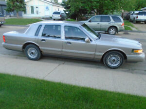 Must Sell Lincoln Town Car