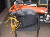 FLYMO HANDHELD CORDED ELECTRIC GARDEN VAC/BLOWER c/w ADJUST SHOULDER HARNESS TURBO-MODEL MEV 2700