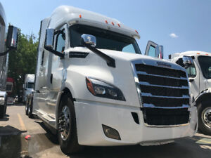 2018 Freightliner Cascadia 126 Driver Lounge IN STOCK