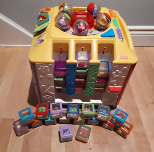 """FISHER PRICE"" INCREDIBLOCK ACTIVITY CENTER!"