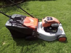Self Propelled Briggs & Stratton Flymo petrol lawnmower lawn mower with rear roller