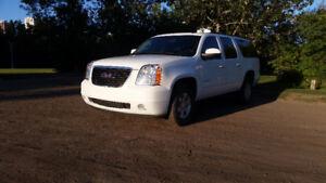 2014 GMC Yukon XL SLT SUV, Crossover