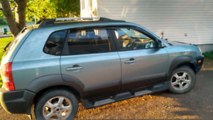 2004   suv hyndia  tucson for sale or trade