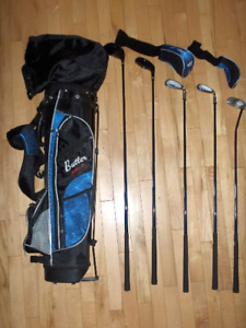 Junior Size Right Hand Golf Clubs and Hooded Bag