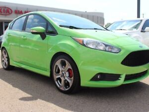 2015 Ford Fiesta LOW KMS!! ST, HEATED SEATS, SUNROOF, BUTTON STA