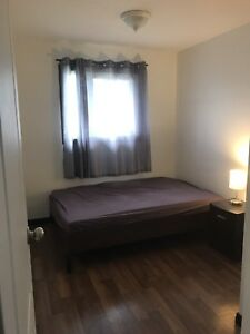 FURNISHED ROOM FOR RENT IN NE TOWNHOUSE