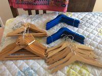 30 wooden children's hangers