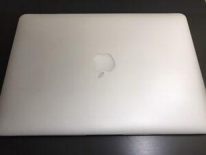 13-inch Macbook Air 128gb SSD Intel core i5
