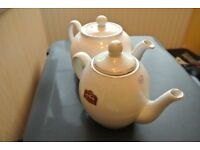 2 Tea Pots 1 White by Pristine 1 from Saudi Arabia