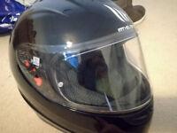 Motorcycle Helmet - MT Thunder - Gloss Black - Size S