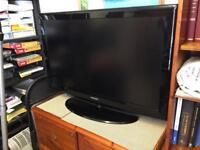 """Samsung 40"""" TV with remote control"""