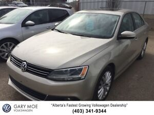 2012 Volkswagen Jetta Highline 2.5 with Manual shift!