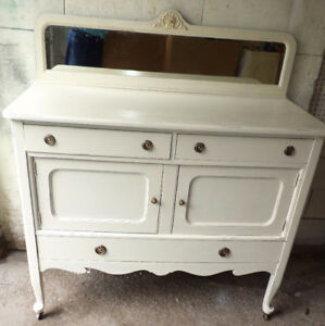 Elegant antique sideboard/mirror, distressed (Delivery)