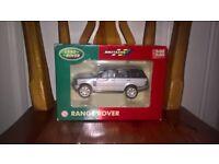 Britains Land Rover Range Rover 1:32 Die Cast Model in Orginal Box