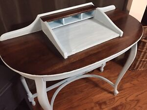 French provincial desk