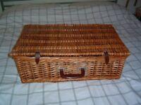 Wicker picnic basket hamper