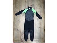 KIDS WETSUITS: Full suit 3/2. Size: 8 yr old. Cond. £10.00