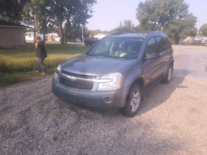 2005 chevy equinox  low Km!!