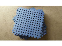 16 versatile cushioned floor mats for awnings, gardens etc. Blue Diamond.
