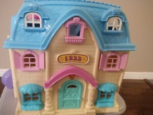 Plastic Small Doll House