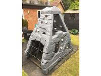 Award winning Step 2 Skyward Summit Climbing Frame